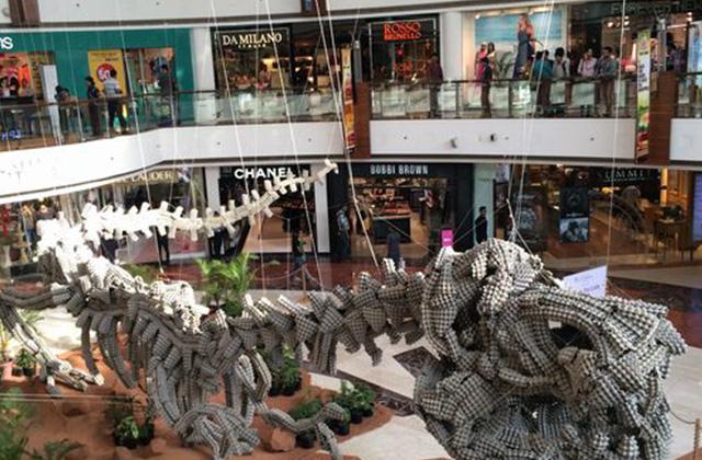 ショッピングセンター中央
